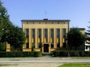 Arhitekts Indriķis Blankenburgs. Smiltenes Valsts ģimnāzija, 1936. g. Tagad — Smiltenes vidusskola. Foto: Artis Zvirgzdiņš