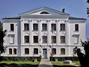 Arhitekts Indriķis Blankenburgs. Valsts arodskola Gulbenē, 1928. g. Tagad - Gulbenes novada valsts ģimnāzija. Foto: Artis Zvirgzdiņš