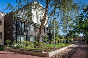 Atjaunotais īres nams Artilērijas ielā 35 — arhitekti: LDU