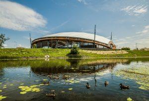 Brīvdabas koncertzāle Mītava Pasta sala 1, Jelgavas, pasūtītājs Jelgavas pilsētas pašvaldība, projekts Projektu birojs Grietēns un Kagainis, būvnieks Igate Būve, būvuzraudzība Jurēvičs un Partneri