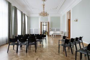 Igaunijas vēstniecība Maskavā — KAOS. Foto: Terje Ugandi