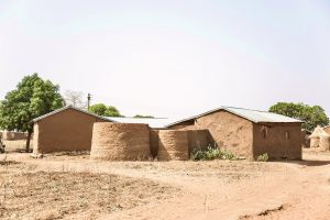 Ģimeņu dzīvojamās mājas / saimniecības. Foto: Toms Kampars