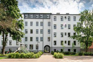 Dzīvokļu ēka Mūrnieku iela 12a — Arhitekti Ārgaļi