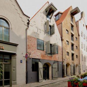Ēku atjaunošana un pārbūve Miesnieku ielā. Autori: SIA ARHIS Arhitekti