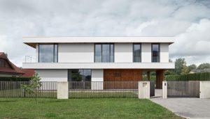 Trīs plātņu māja — GAISS